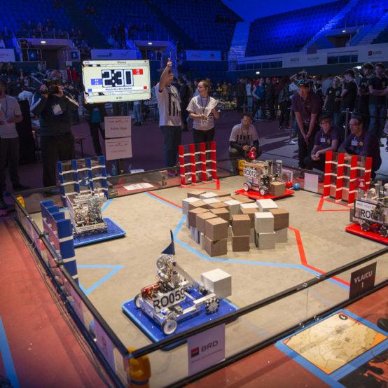 Sprijinim cea mai mare competiție de robotică din România